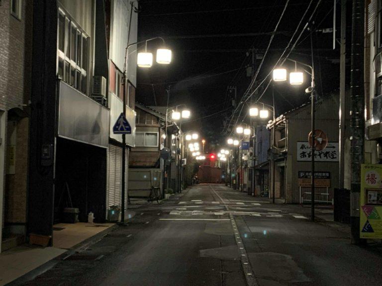 福野の朝市は早朝に開催されます。