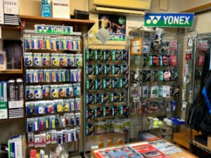 イノハラスポーツさんのバドミントン道具の販売コーナー(1)