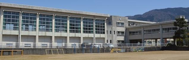 南砺市内の中学校