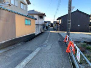 福野中学校前の道から石動証券への道