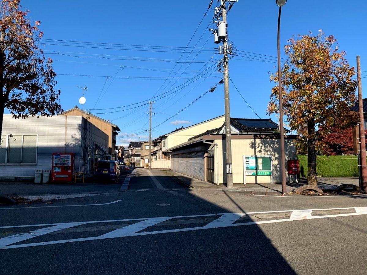 福野フードセンター横の道1