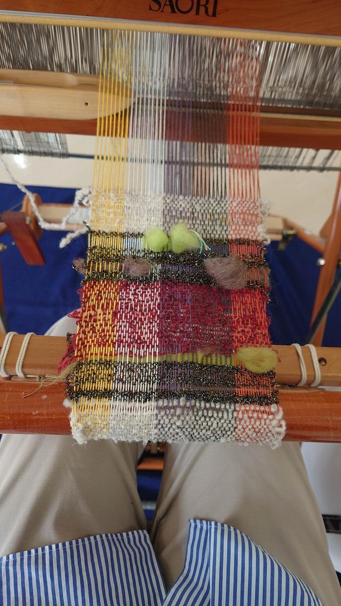 福光美術館でさをり織り体験をしてきました。私のはこんな具合です。