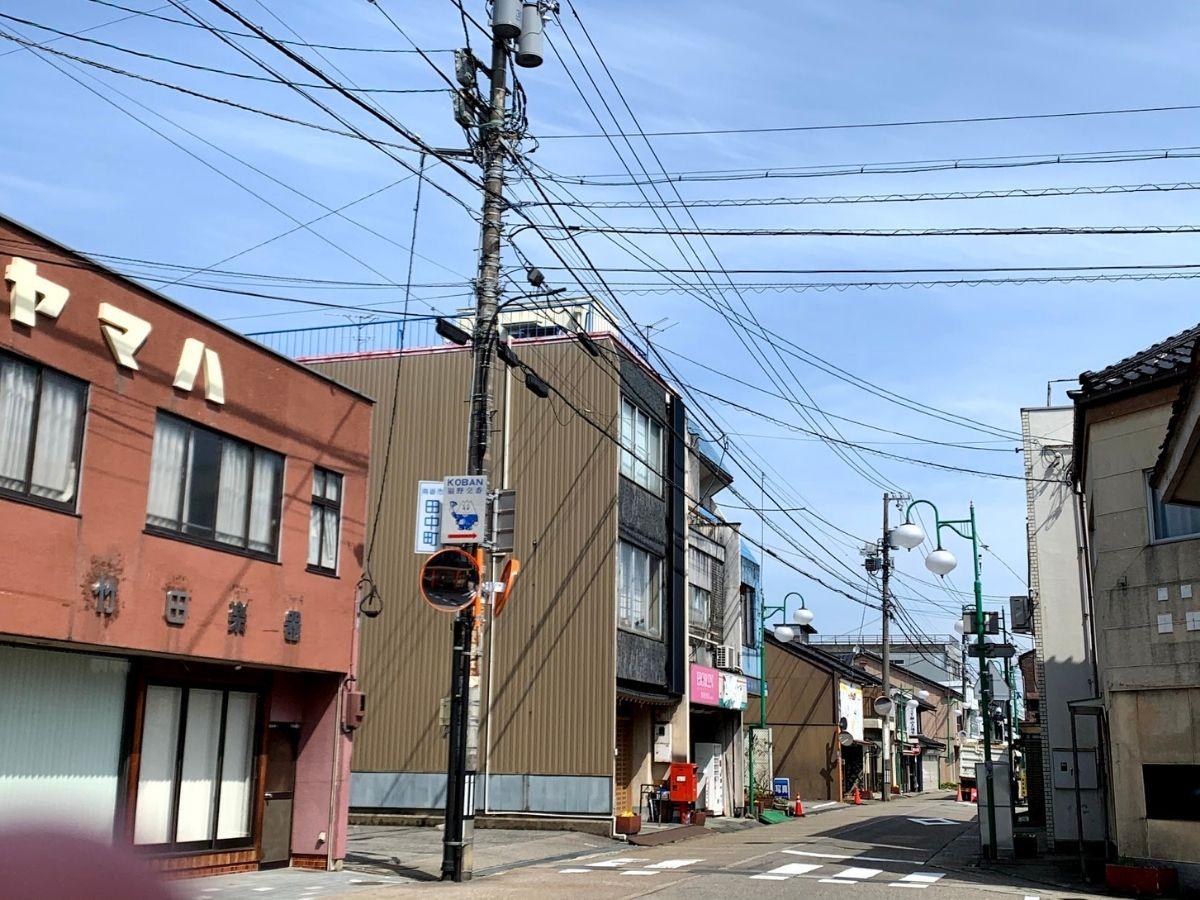 田中町の交差点の信号機取り外された後