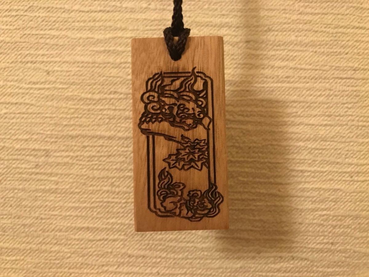 南砺市井波の伝統工芸の井波彫刻の首飾り2