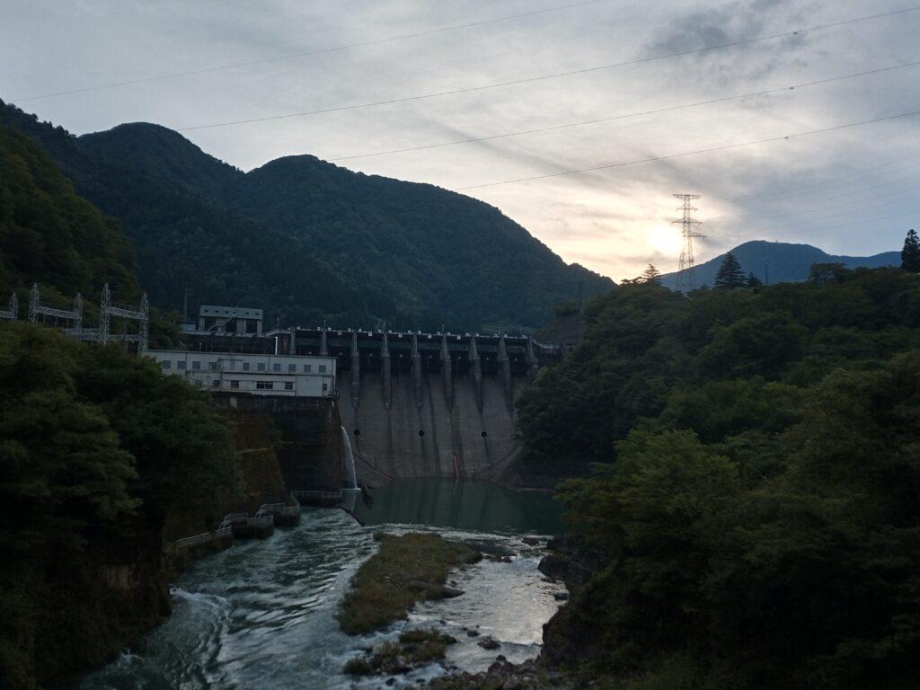 2021年9月12日の小原ダムと空の様子