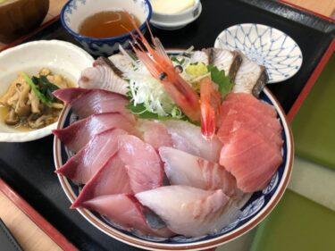 能越自動車道で氷見漁港にある「魚市場食堂」に行ってみた。無料区間で行くのがオススメ【ふくの〜とグルメ】