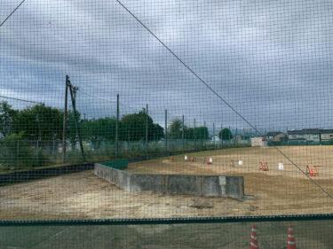 工事中の福野中学校の野球部のバックネット